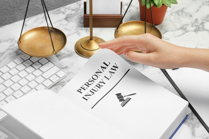 6 Benefits of Hiring a Workers Comp Lawyer – 2021 Guide