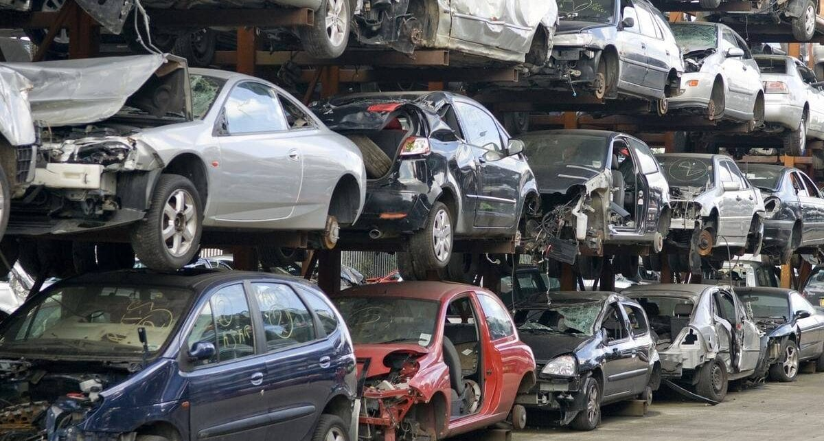 7 Things You Should Remove From Your Car Before Scrapping It